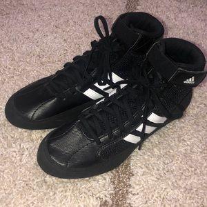ADIDAS Youth size 6 black wrestling shoes
